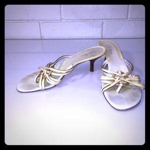 Cole han cream sandals with kitten heel 7.5AA